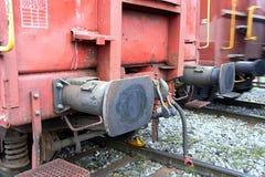 Amortisseur ferroviaire sur un train de fret Images libres de droits