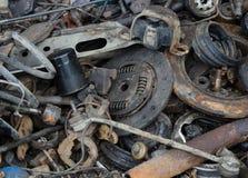 Amortisseur inutile et rouillé de disques de frein et d'autres pièces Image stock