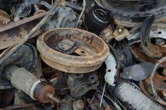 Amortisseur inutile et rouillé de disques de frein et d'autres pièces Photographie stock libre de droits