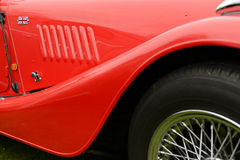 Amortisseur rouge sur la voiture classique Photo stock