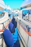 Amortisseurs de bateau entre deux yachts à Porto Cervo Photos libres de droits