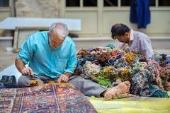 Amos de las alfombras persas fotografía de archivo