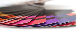 A amostra de folha do espectro do guia da cor prova o arco-íris Imagem de Stock