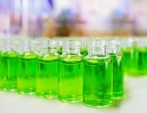Amostras verdes da substância química Imagem de Stock