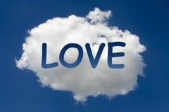 AMOUR écrit sur le nuage Photos libres de droits
