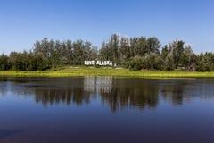 Amour Alaska de l'enseigne I dans le paysage Photo stock