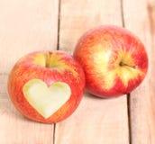 Amour Apple de forme de coeur Image libre de droits