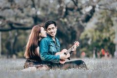 amour asiatique de couples Images stock