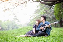 amour asiatique de couples Photo stock