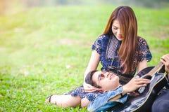amour asiatique de couples Images libres de droits