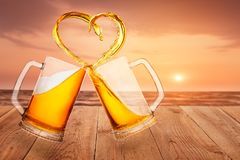 Amour au concept de bière Images stock