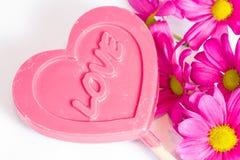 Amour, coeur et fleurs doux. Images libres de droits