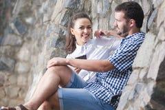Amour, concepts de relations Couples caucasiens heureux et positifs Images libres de droits