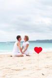 Amour d'été sur la plage Photos libres de droits