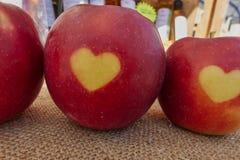 Amour d'Apple et de coeur Image libre de droits