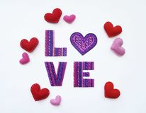 Amour d'argile La pâte à modeler marque avec des lettres la vue à partir du dessus Amour de pâte à modeler Jour du `s de Valentin Photos stock
