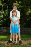 Amour d'enfant de mêmes parents Photographie stock libre de droits