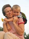 Amour d'enfant et de mère Image stock
