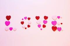 Amour d'inscription au coeur le jour de valentines Image stock