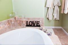 Amour dans la salle de bains Photographie stock libre de droits
