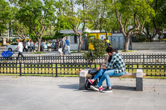 Amour dans le Kadikoy à Istanbul, Turquie Photographie stock libre de droits
