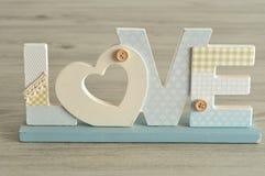 Amour dans les lettres bleues Photo libre de droits