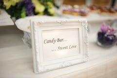 Amour de bonbon à décor de mariage Photographie stock libre de droits