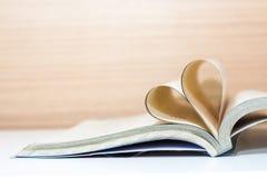 Amour de concept de livre de coeur Photographie stock