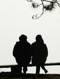Amour de couples de silhouette Photo libre de droits