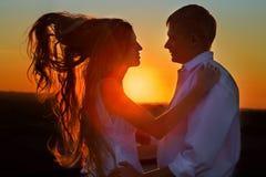 Amour de couples de Sillhouette Image stock