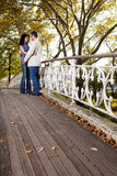 Amour de couples de stationnement Photo stock