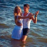 amour de danse de couples de fond au-dessus de blanc Photos libres de droits