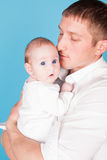 Amour de famille de papa et de petite fille Images stock