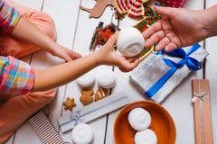 Amour de famille Nourriture de fête de Noël Image libre de droits