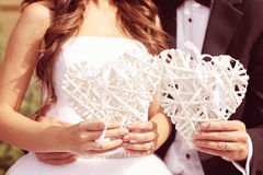 Amour de jeunes mariés Image libre de droits