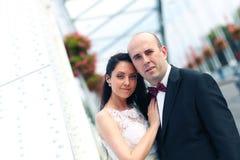 Amour de jeunes mariés Images libres de droits