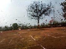Amour de jour pluvieux Photos stock