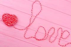 Amour de lettres de fil, vue supérieure Images libres de droits