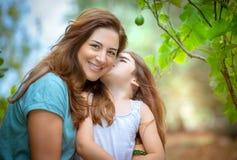 Amour de mère et de fille Image libre de droits