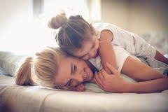 Amour de mères et de filles Images libres de droits