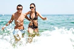 Amour de mer de couples Photos stock