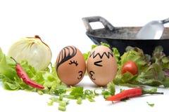 Amour de nourriture : Deux oeufs avec amour Image stock