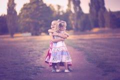 Amour de soeur Photo libre de droits