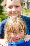 Amour de soeur et de frère Photo stock