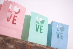 Amour de support de Tealight coloré Images stock