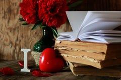 Amour de vieux livre et de mot Photos stock
