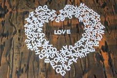 Amour de Word à l'intérieur de coeur Images stock