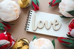 Amour de Word avec de diverses fleurs Photos libres de droits