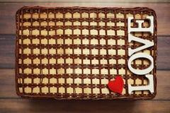 Amour de Word des lettres en bois sur le fond Photographie stock libre de droits
