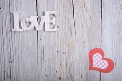 AMOUR de Word et coeur de papier Image libre de droits